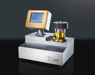 """TRENDGALVANO-Gerät """"Genius Perfekt"""": Die intuitive Menüführung erleichtert das Programmieren des Gerätes. Die Systemautomatik errechnet die zu galvanisierende Oberfläche, ermittelt den Goldbedarf und regelt während eines Prozesses immer die korrekte Stromzufuhr."""